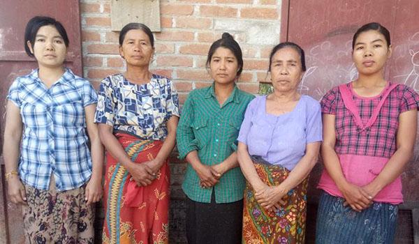 voyage solidaire birmanie l'atelier de pâte de soja au village Pauk Taw